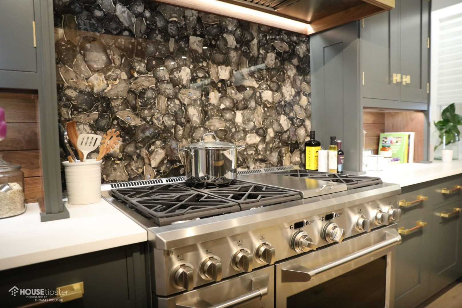 Christopher Peacock Creates Masculine Kitchen For Kips Bay